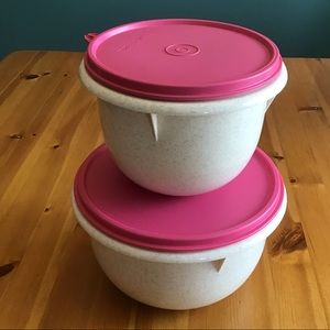 2 TUPPERWARE SPECKLED HEAVY DUTY MIXING BOWLS